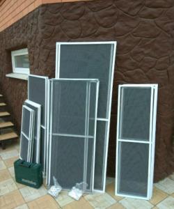 Москитные сетки на алюминиевые окна и балкон